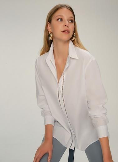 NGSTYLE Önü Şerit Detaylı Poplin Gömlek Beyaz